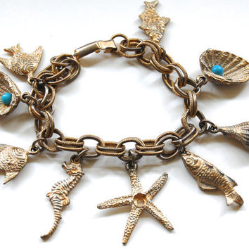 Vintage 1960's Charm Bracelet, Nautical Theme, Fish Sea Shell Sea Horse Starfish
