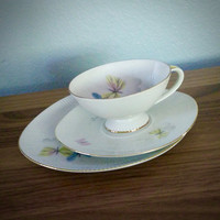 Antique 1940s PMR Jaeger and Co Bavaria German 3 piece tea cup and saucer set, butterfly footed saucer, tea trio
