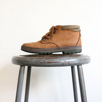 Vintage 90s Timberland Brown Leather Ankle Boots // Women's Hiking Boot Sz 7