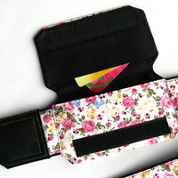 Flowers Camera strap with pocket. Floral camera strap. DSLR Camera Strap. Camera accessories. Canon camera strap. Nikon camera strap.
