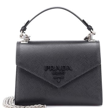 Monochrome leather shoulder bag