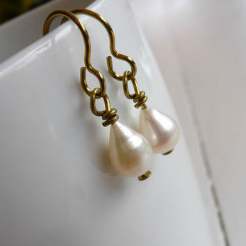 Nickel Free Pearl Earrings, White Freshwater Teardrop Pearl on Gold Niobium Ear Wires for Sensitive Ears, Hypoallergenic Niobium Earrings