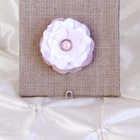 """Pink Silk and Burlap Flower Brooch Pin 2.5""""  WithPink  Pearl Center Shabby Chic Boutonniere Lapel Pin Brides Maid Bridal Flower Girl"""