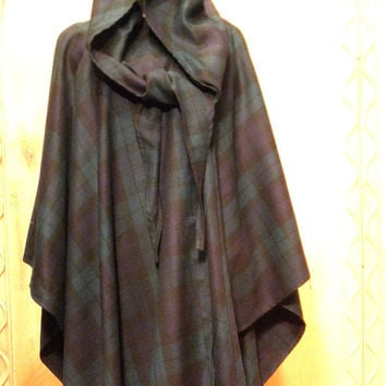SALE !!! 1960s / Early 1970s Black Watch Plaid Irish Wool Poncho Cape With Hood Size M
