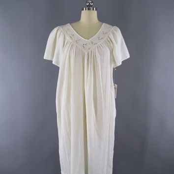 Vintage 1970s Embroidered Ivory Cotton Gauze Cutwork Dress