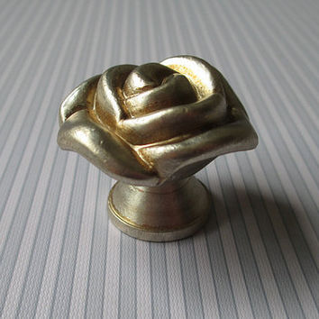 Rustic Rose Dresser Drawer Knobs Pulls Handles / Cabinet Knob Pull Handles Antique Silver Flower / Vintage Furniture Decorative Hardware 107