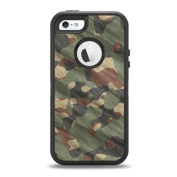 The Traditional Camouflage Fabric Pattern Apple iPhone 5-5s Otterbox Defender Case Skin Set