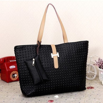 Women Classical Fashion One Shoulder Tote Bag On Sale = 4432205252