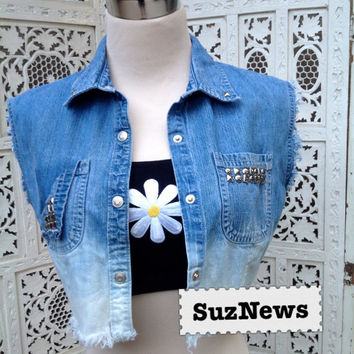 Ombre Denim Cropped Top with Studs Snap Front Sleeveless Frayed FUN //suznews etsy store//