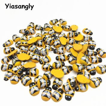 200pcs Wood Yellow Honey Bee Flatbacks Crafts Chips Easter Wood Bees Embellishents Cartoon Toys Scrapbooking 9x12mm