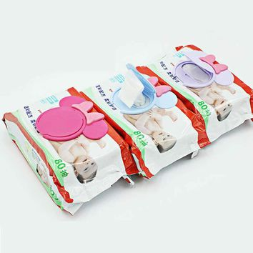 1Pc Colorful New Baby Wet Paper Lid Wet Wipes Cover Wet Tissue Reusable Lid Baby Care