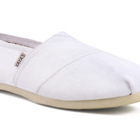 Yayas Classic - White Canvas Slip-On Shoes