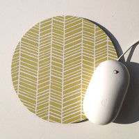 Herringbone Mouse Pad / Chevron Grass Green and White / Round Mousepad / Office Home Decor