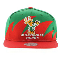Milwaukee Bucks The Shark SNAPBACK (Green Under) New Era Caps, Snapbacks, Bucket Hats, T-Shirts, Streetwear USA Cranium Fitteds