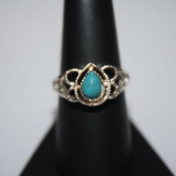 Size 8 Native American Inspired Vintage Sterling Silver Turquoise Tear Drop Ring Size 8.- free ship US
