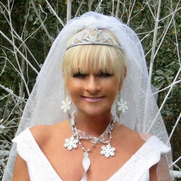 Snowfllake - Winter Wedding - Snowflake Wedding - White Wedding Veils - Bridal Veil - Bling Wedding - Winter Hair Accessories - Wedding Veil