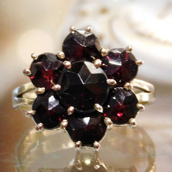 Bohemian Garnet Ring 14K Gold GERMANY Art Deco Rose Cut Cluster Garnets 14KT Gold Antique 1920s  Ring H&A Germany European Jewelry Estate