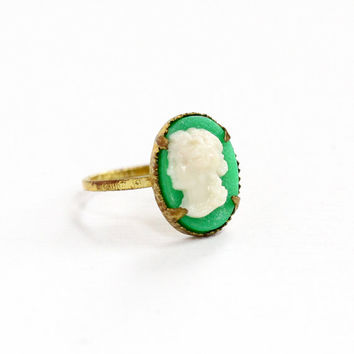 Sale - Vintage Brass Green & White Lucite Cameo Czech Ring - 1930s Size 3 1/4 Art Deco Made in Czechoslovakia Petite Dainty Costume Jewelry