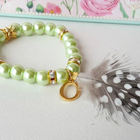 Bridesmaid jewelry, green bracelet, feather bracelet, personalized gift, wedding jewelry, bridesmaid bracelet, flower girl jewelry