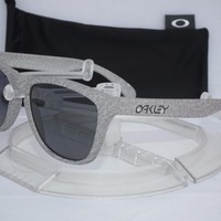 CUSTOM OAKLEY POLARIZED FROGSKINS SUNGLASSES OO9013-77 SMOKE / GREY POLARIZED