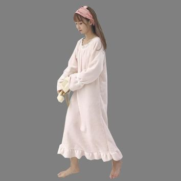 New Autumn Winter Ruffle Sleeve Women Nightgown Flannel Nightgowns Girls Night Dress Sleepwear Cute Princess Coral Fleece WZ089