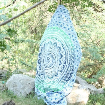 GREEN INDIAN OMBRE MANDALA DESIGNER TAPESTRY, PICNIC BEACH THROW BLANKET!!
