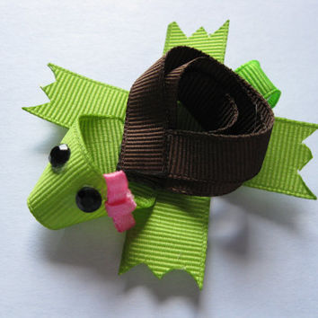 Girls hair clips, novelty clips, little turtle, infant clippie, animal clip, Toddler cute hair bow, green hairclips, boutique bows, brown