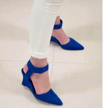 Suede Hollow Out Wedge Pointed Toe Shoes = 4814762052