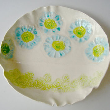 Serving Dish, shallow bowl, with lace and flowers