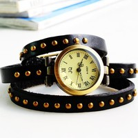 Retro Leather Bracelet Quartz Watch