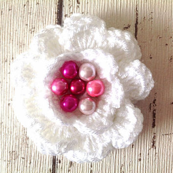 White and pink crocheted flower brooch floral pin