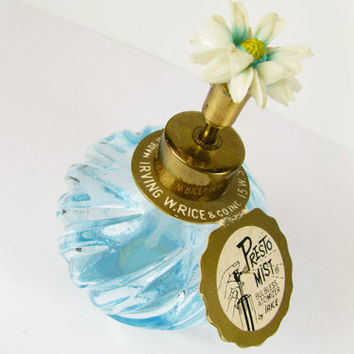 Vintage I Rice Perfume Bottle, Blue with Daisy Flower Topper, Original Label, Works / Vintage Wedding Perfume Bottle - Boute