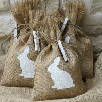 Burlap Gift Bags or Treat Bags, Set of FOUR, Easter, Baby Shower, Birthday Party, Shabby Chic Gift Wrapping, White and Natural, Bunnies.