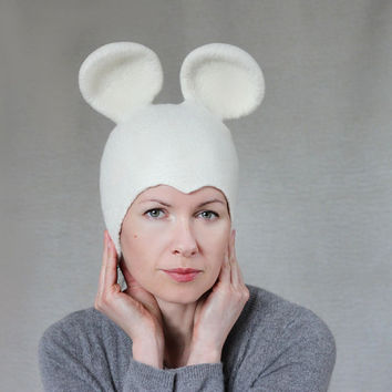Mouse hat white wool felted cloche seamless animal by aureliaLT