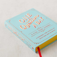 One Question a Day: A Five-Year Journal By Aimee Chase | Urban Outfitters