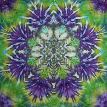 tie dye tapestry wall hanging green purple