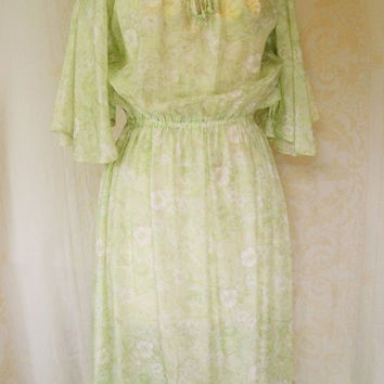Vintage 1970s Green Floral Dress / 70s Disco Dress / Romantic Floral Dress / Boho Dress / 70s Spring Dress / 70s Summer Day Dress