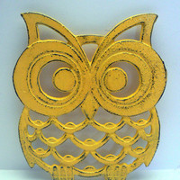 Owl Trivet Hot Plate Lemon Yellow Shabby Chic Distressed Kitchen Rustic Woodsy Decor Ornate Cast Iron