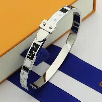 LV Louis Vuitton Newest Popular Women Men Stainless Steel Bracelet Jewelry Silvery