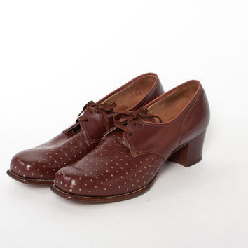 Vintage 40s OXFORDS / 1940s Chocolate Brown Perforated Detail Leather Chunky Heel Swing Shoes 9