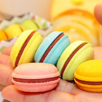 1 Pcs Lot Novelty Macaron Rubber Eraser Creative Kawaii Stationery School Supplies Papelaria Gift For Kids