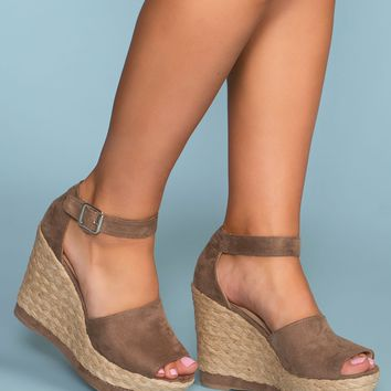Niki Wedges