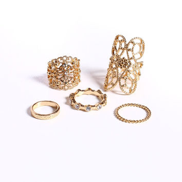 Sitting Pretty Ring Set