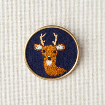 Deer Brooch - Embroidered Buck Pin - Game of Thrones - Woodland Animal - Stag - Fiber Jewelry - Navy Blue