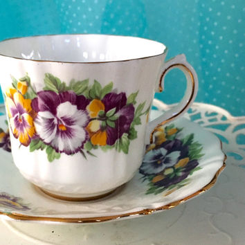 Vintage Old Royal Teacup,Purple Pansy Tea Cup Set, Cup and Saucer, Bone China England, Cottage Chic, Shabby Chic China