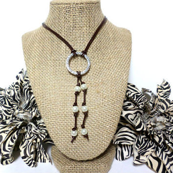 Pearl and Leather Silver Lariat Necklace - Pearl and Leather Jewelry Collection, gift, Chic