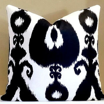 20x20 Ikat PIllow, White and Black Ikat Print Pillow Cover, Fabric both sides 20x20