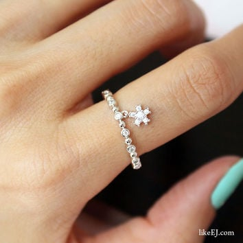 Tiny Dangle Ring