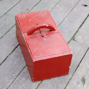Vintage Rustic Red Box Wood Farmhouse Crate Home Decor Animal Carrier Handmade Container Primitive Country Cabin Chic Chippy Paint