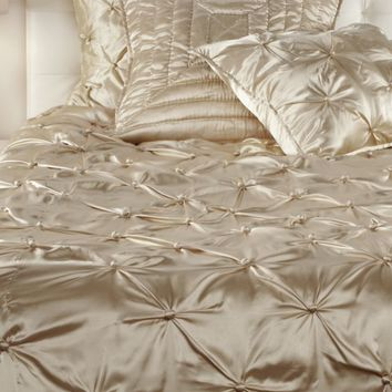 Majestic Bedding | sp16 bedroom1 | Bedroom | Inspiration | Z Gallerie